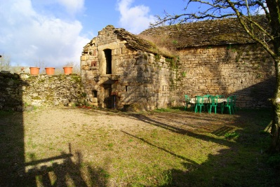 Gîte le Roc / jardin2
